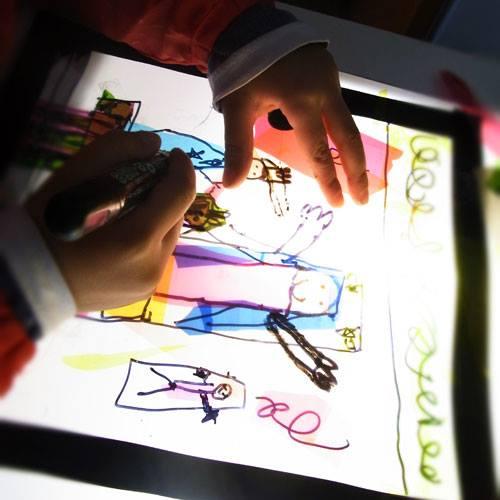 【小学生参加OK!】スマイルママ×こどもなーと『色と光の空間づくり~ステンドグラス風アート体験』10月16日(日 ...